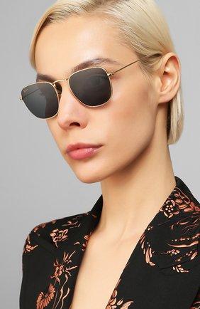 Женские солнцезащитные очки RAY-BAN темно-синего цвета, арт. 3857-9196R5 | Фото 2 (Тип очков: С/з; Очки форма: Прямоугольные; Оптика Гендер: оптика-унисекс)