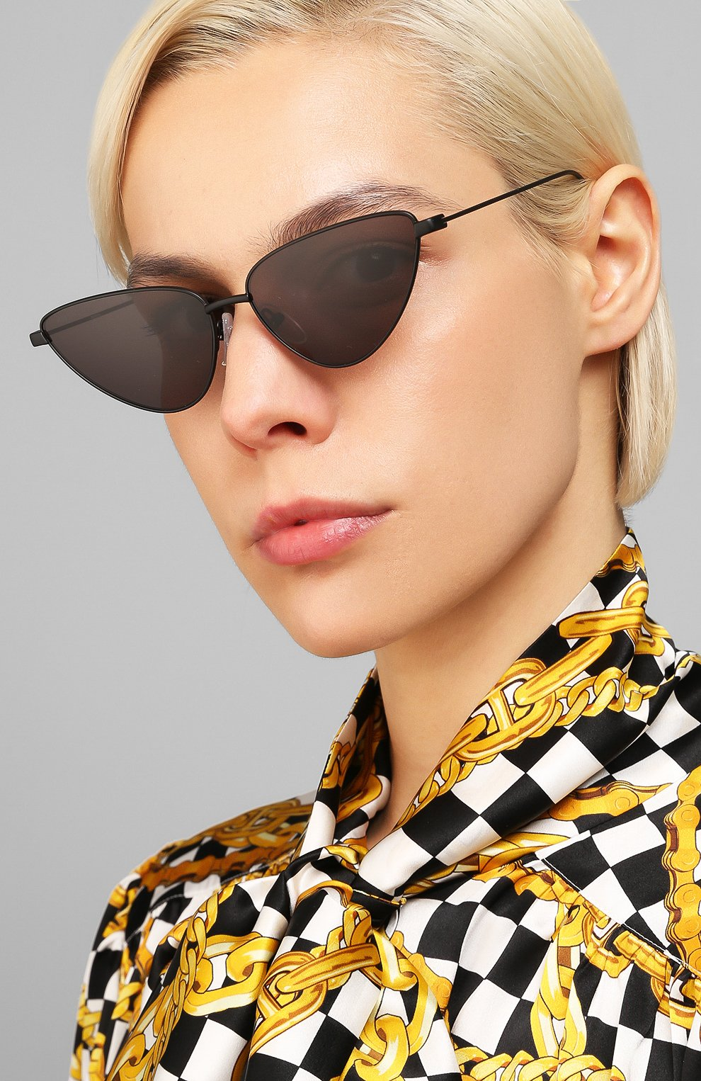 Женские солнцезащитные очки BALENCIAGA черного цвета, арт. BB0086S 001 | Фото 2