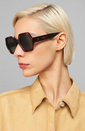 Женские солнцезащитные очки CELINE EYEWEAR коричневого цвета, арт. CL40131I 53D | Фото 2