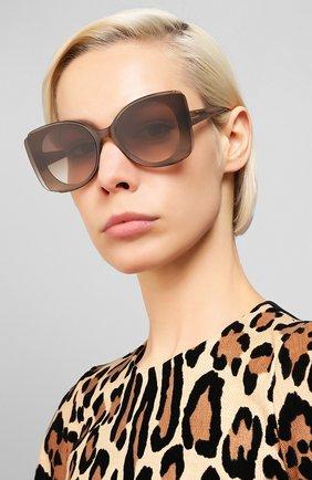 Женские солнцезащитные очки ALEXANDER MCQUEEN коричневого цвета, арт. AM0250S 004 | Фото 2