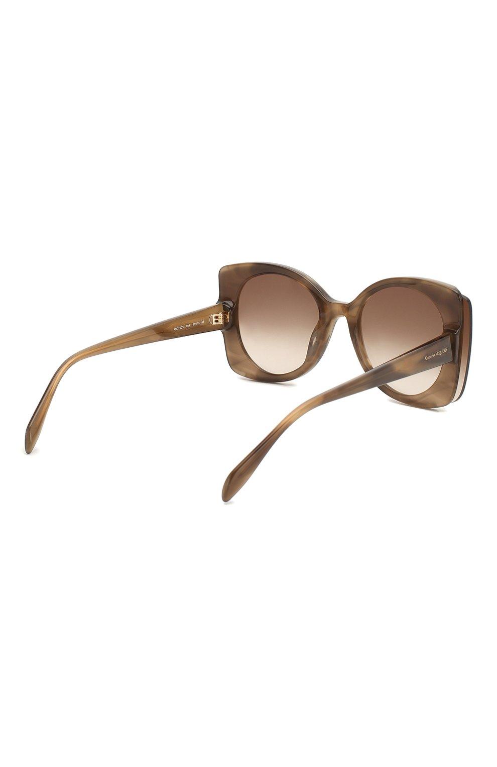 Женские солнцезащитные очки ALEXANDER MCQUEEN коричневого цвета, арт. AM0250S 004 | Фото 4