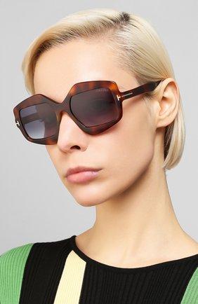 Женские солнцезащитные очки TOM FORD коричневого цвета, арт. TF789 53W   Фото 2