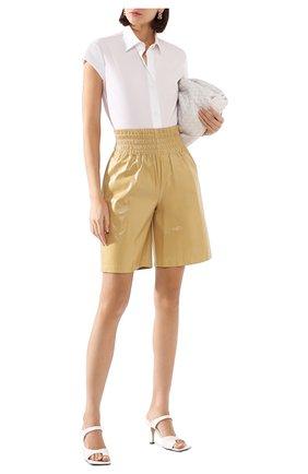 Женские кожаные шорты BOTTEGA VENETA светло-бежевого цвета, арт. 619210/VKLC0 | Фото 2