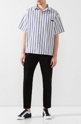 Мужская хлопковая рубашка PRADA синего цвета, арт. UCS339-1VX8-F0124-201   Фото 2