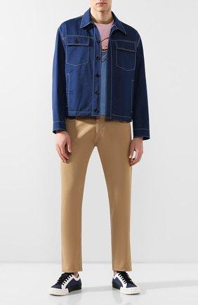 Мужской хлопковые брюки PRADA бежевого цвета, арт. GEP178-1P8S-F0BAM-192   Фото 2