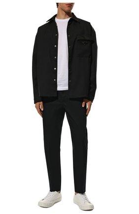 Мужские хлопковые брюки PRADA синего цвета, арт. SPE12-1GQS-F0008-172 | Фото 2 (Материал внешний: Хлопок; Длина (брюки, джинсы): Стандартные; Случай: Повседневный; Стили: Минимализм)