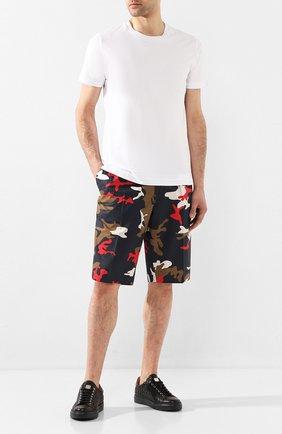 Мужские хлопковые шорты BOSS разноцветного цвета, арт. 50425621 | Фото 2
