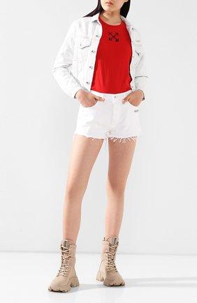 Женская джинсовая куртка OFF-WHITE голубого цвета, арт. 0WYE014S20DEN0014000 | Фото 2