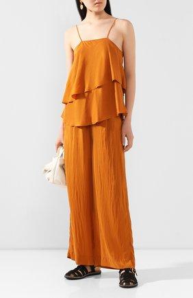 Женские шелковые брюки FORTE_FORTE золотого цвета, арт. 7279 | Фото 2