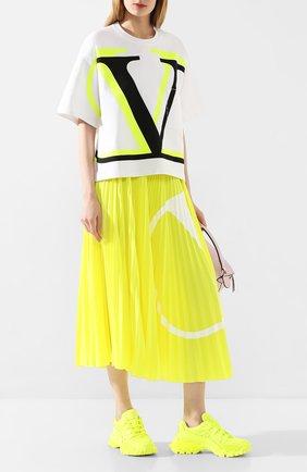 Женская плиссированная юбка VALENTINO желтого цвета, арт. TB0MD00Y4TJ | Фото 2