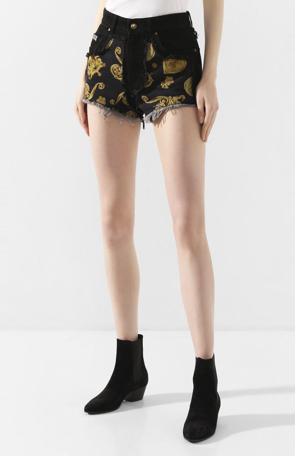 Женские джинсовые шорты VERSACE JEANS COUTURE черного цвета, арт. A3HVB18G-VDM508/APD54 | Фото 3 (Женское Кросс-КТ: Шорты-одежда; Стили: Гламурный; Кросс-КТ: Деним; Длина Ж (юбки, платья, шорты): Мини; Материал внешний: Хлопок, Деним)