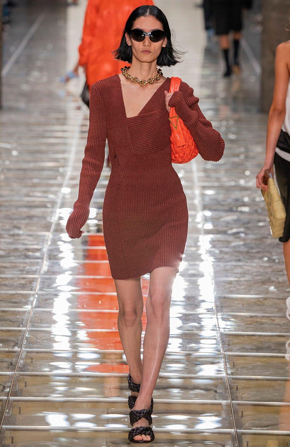 Женское платье BOTTEGA VENETA коричневого цвета, арт. 618640/VKSD0 | Фото 6