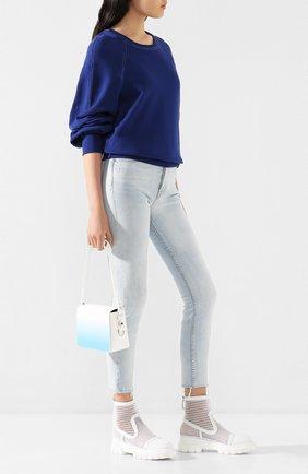 Женские джинсы GRLFRND голубого цвета, арт. GF41689541331 | Фото 2