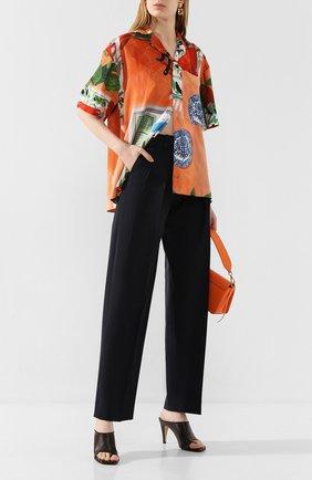 Женские брюки со стрелками VICTORIA, VICTORIA BECKHAM темно-синего цвета, арт. 2120WTR000516C | Фото 2