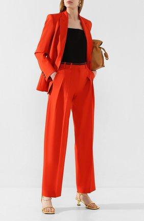 Женские брюки со стрелками VICTORIA, VICTORIA BECKHAM красного цвета, арт. 2120WTR000516B | Фото 2