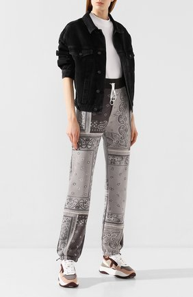 Женские хлопковые брюки AMIRI серого цвета, арт. Y0M09477TE | Фото 2