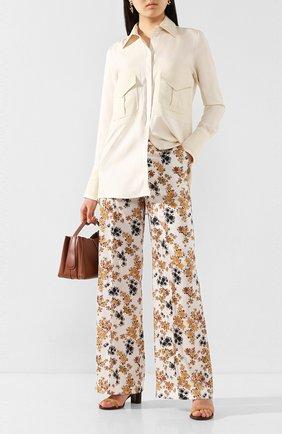 Женские брюки VICTORIA, VICTORIA BECKHAM разноцветного цвета, арт. 2220WTR001135A | Фото 2