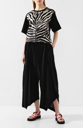Женская футболка из смеси шелка и хлопка MONCLER черно-белого цвета, арт. F1-093-8C736-00-A0110 | Фото 2