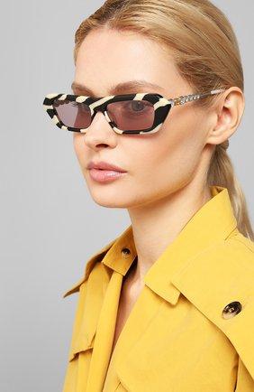 Мужские солнцезащитные очки GUCCI черно-белого цвета, арт. 610398/J0770 | Фото 2