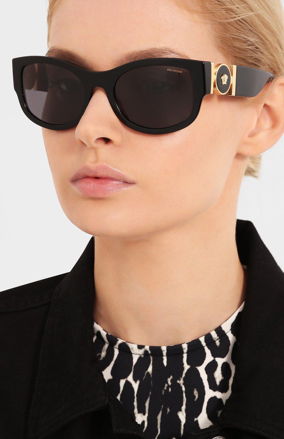 Женские солнцезащитные очки VERSACE черного цвета, арт. 4372-GB1/81 | Фото 2