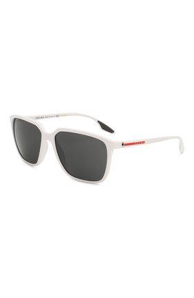 Женские солнцезащитные очки PRADA LINEA ROSSA белого цвета, арт. 06VS-AAI5S0 | Фото 1