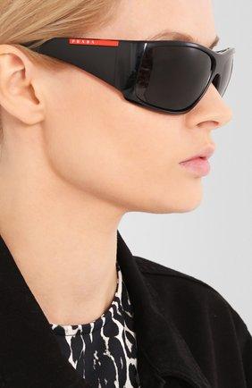 Мужские солнцезащитные очки PRADA LINEA ROSSA черного цвета, арт. 04VS-1AB5S0   Фото 2