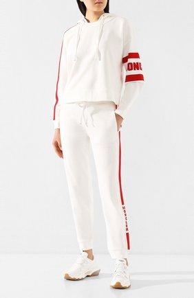 Женские хлопковые джоггеры MONCLER белого цвета, арт. F1-093-8H706-00-V8105 | Фото 2
