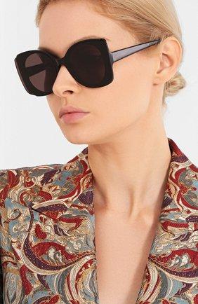 Женские солнцезащитные очки ALEXANDER MCQUEEN черного цвета, арт. AM0250S-001 | Фото 2