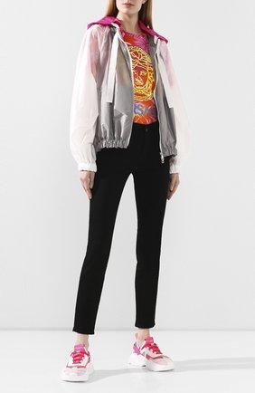 Женская куртка MONCLER серебряного цвета, арт. F1-093-1A741-00-C0393 | Фото 2