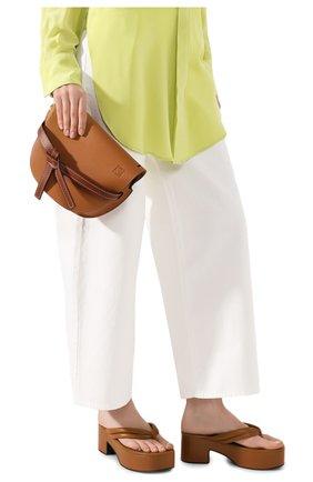 Женская сумка gate small LOEWE светло-коричневого цвета, арт. 321.12.T20   Фото 2