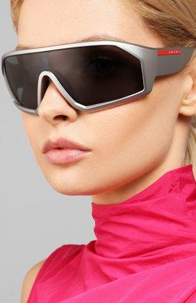 Женские солнцезащитные очки PRADA LINEA ROSSA серого цвета, арт. 03VS-5735Z1   Фото 2