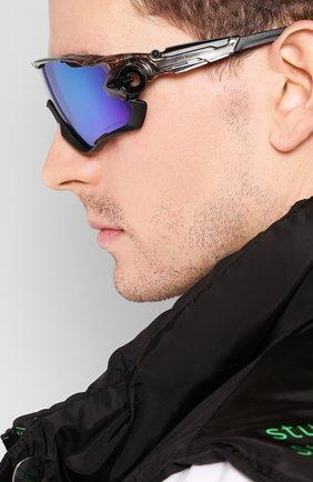 Женские солнцезащитные очки OAKLEY черного цвета, арт. 9290-929046   Фото 3