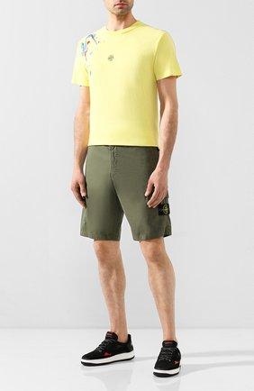 Мужские хлопковые шорты STONE ISLAND хаки цвета, арт. 7215L0403 | Фото 2