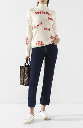 Женские джинсы VICTORIA, VICTORIA BECKHAM темно-синего цвета, арт. 2120DJE000827A | Фото 2