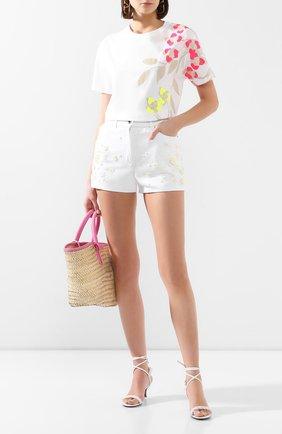 Женские джинсовые шорты VALENTINO белого цвета, арт. TB0DD09Z5D4 | Фото 2