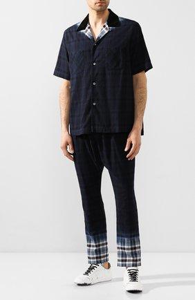 Мужской хлопковые брюки SACAI темно-синего цвета, арт. 20-02280M   Фото 2