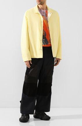 Мужской брюки SACAI разноцветного цвета, арт. 20-02219M   Фото 2