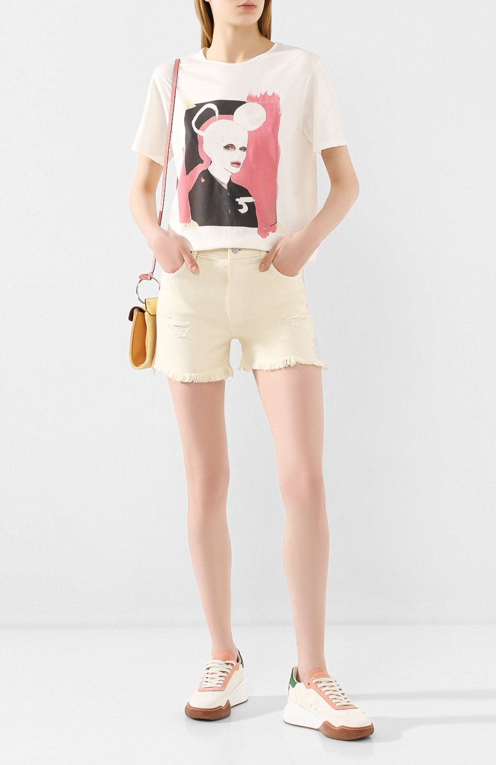 Женские джинсовые шорты J BRAND бежевого цвета, арт. JB002787 | Фото 2 (Женское Кросс-КТ: Шорты-одежда; Кросс-КТ: Деним; Длина Ж (юбки, платья, шорты): Мини; Материал внешний: Хлопок; Стили: Кэжуэл)