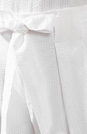 Женские хлопковые шорты ST. JOHN белого цвета, арт. K80ZW02 | Фото 5 (Женское Кросс-КТ: Шорты-одежда; Длина Ж (юбки, платья, шорты): Мини; Материал внешний: Хлопок; Материал подклада: Шелк)