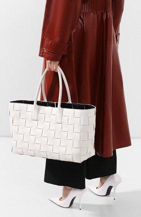 Женская сумка-шопер BOTTEGA VENETA черно-белого цвета, арт. 607668/VMAY3 | Фото 2