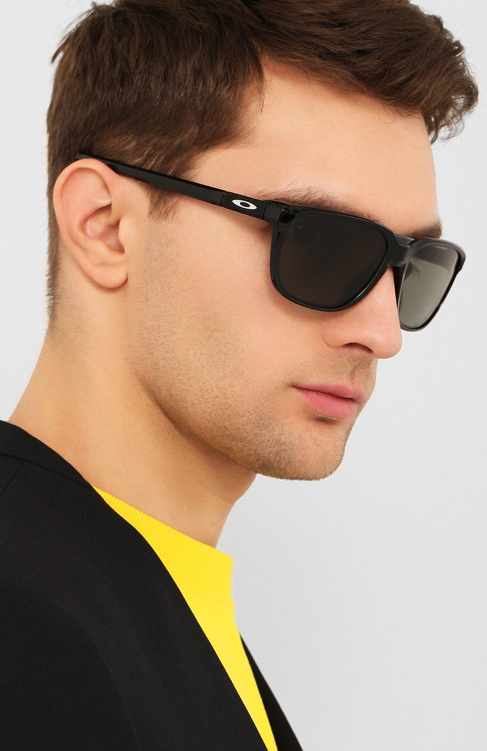 Мужские солнцезащитные очки OAKLEY черного цвета, арт. 9420-942001   Фото 2