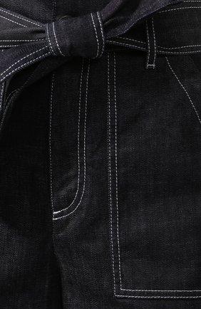 Женские джинсовые шорты LORENA ANTONIAZZI темно-синего цвета, арт. P2022PA107/3219 | Фото 5 (Женское Кросс-КТ: Шорты-одежда; Длина Ж (юбки, платья, шорты): Мини; Материал внешний: Хлопок; Стили: Кэжуэл)