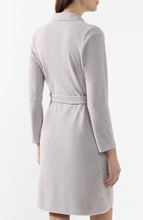 Женский хлопковый халат LE CHAT серого цвета, арт. ESSENTIELE61A   Фото 4 (Рукава: Длинные; Материал внешний: Хлопок; Длина Ж (юбки, платья, шорты): До колена)