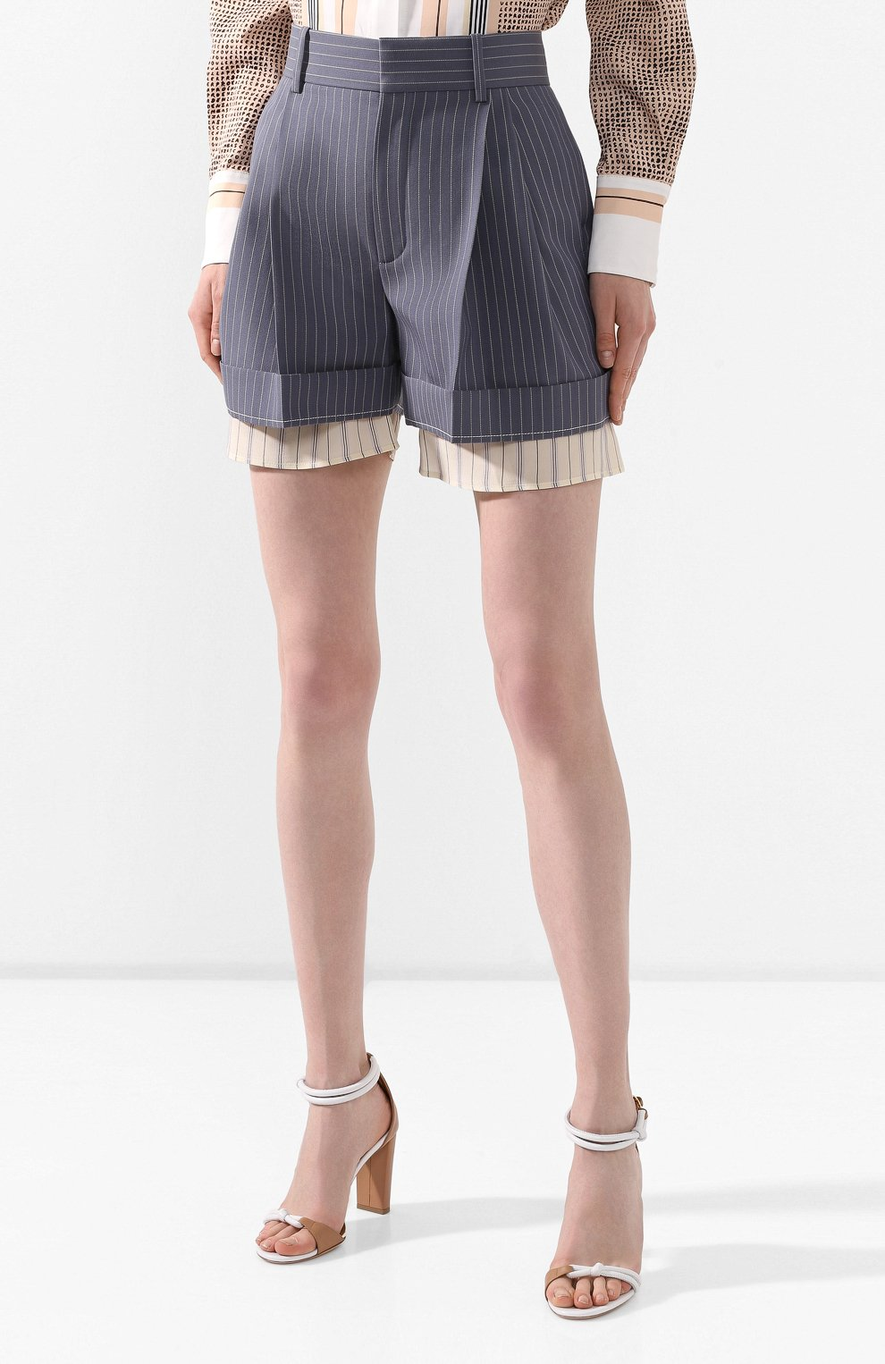 Женские шерстяные шорты CHLOÉ голубого цвета, арт. CHC20USH11063 | Фото 3 (Женское Кросс-КТ: Шорты-одежда; Материал внешний: Шерсть; Длина Ж (юбки, платья, шорты): Мини; Стили: Классический; Материал подклада: Шелк)