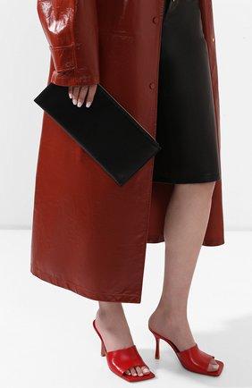 Женский клатч THE ROW черного цвета, арт. W1234L71 | Фото 2
