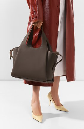 Женская сумка large tr1 THE ROW хаки цвета, арт. W1231L55M | Фото 2