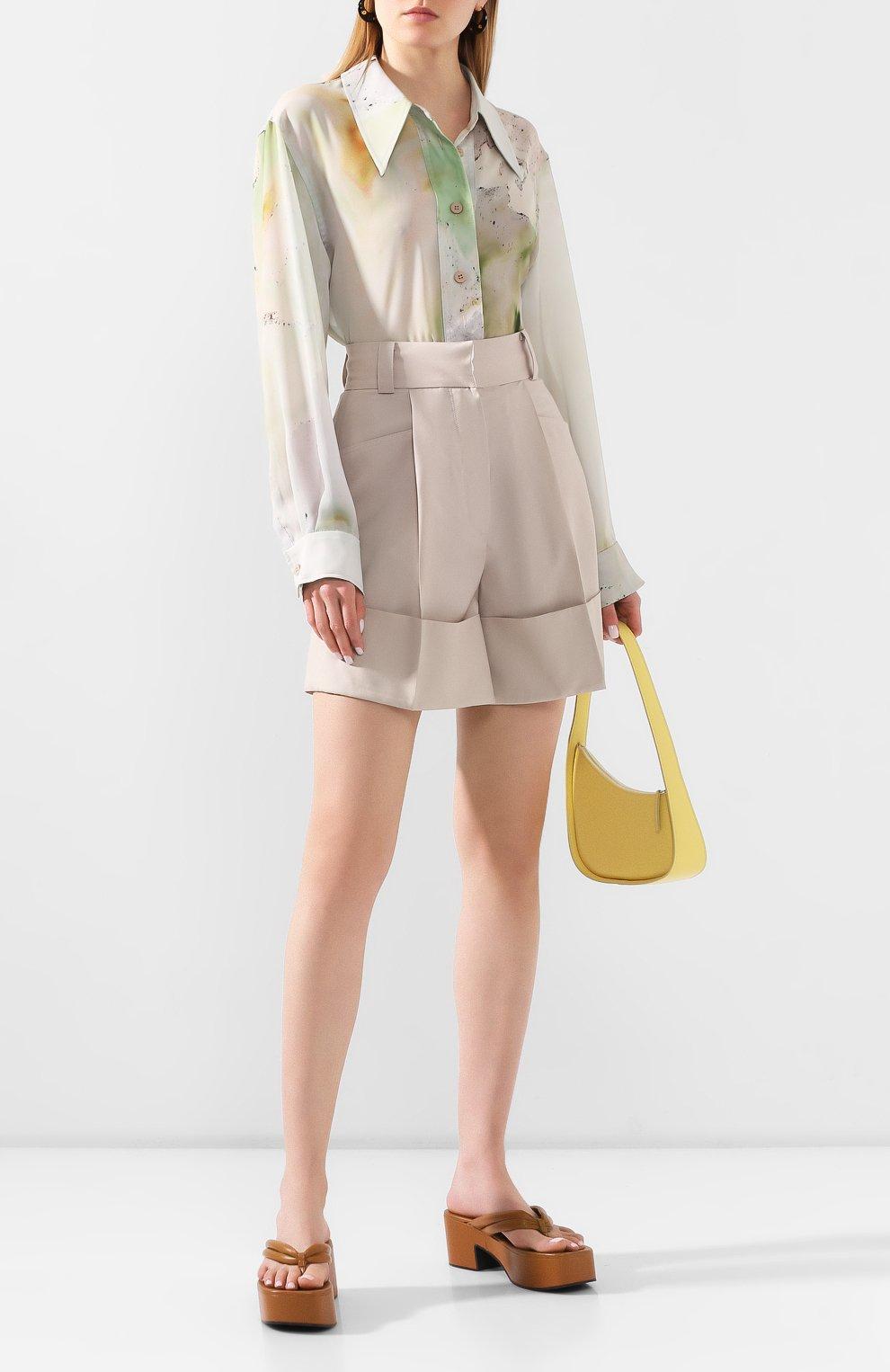 Женские шерстяные шорты LOW CLASSIC бежевого цвета, арт. L0W20SS_PT17LB   Фото 2 (Женское Кросс-КТ: Шорты-одежда; Материал внешний: Шерсть; Длина Ж (юбки, платья, шорты): Мини; Стили: Кэжуэл)