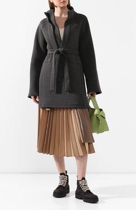Женская анорак с поясом PEFORGIRLS серого цвета, арт. PE.100.2022.02.01203.000 | Фото 2