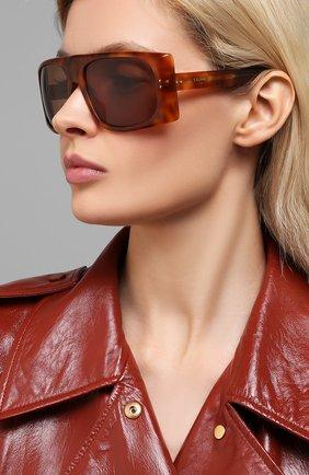 Женские солнцезащитные очки CELINE EYEWEAR коричневого цвета, арт. 40089I | Фото 2