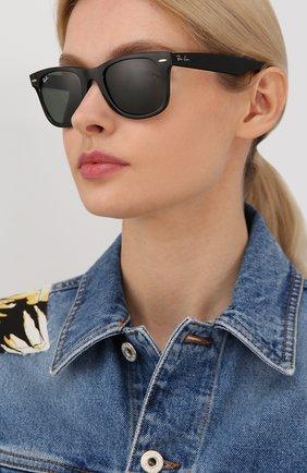Женские солнцезащитные очки RAY-BAN черного цвета, арт. 4340-601 | Фото 2